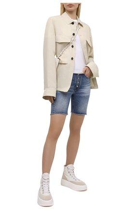 Женские джинсовые шорты MM6 синего цвета, арт. S62MU0030/S30589 | Фото 2 (Материал внешний: Хлопок, Деним; Стили: Кэжуэл; Кросс-КТ: Деним; Женское Кросс-КТ: Шорты-одежда; Детали: Потертости; Длина Ж (юбки, платья, шорты): До колена)