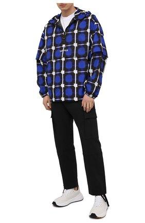 Мужская куртка MARCELO BURLON синего цвета, арт. CME0007S21FAB001 | Фото 2