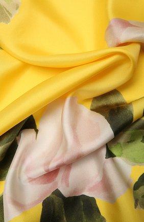 Женский шелковый платок  VALENTINO желтого цвета, арт. VW0EI114/GEM   Фото 2 (Материал: Текстиль, Шелк; Принт: С принтом)