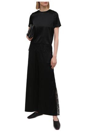 Женские шелковые брюки MAX&MOI черного цвета, арт. E21BRYA | Фото 2