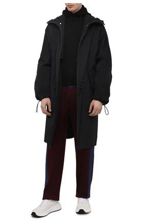 Мужские брюки ALEXANDER MCQUEEN бордового цвета, арт. 648107/QQX52 | Фото 2 (Материал внешний: Вискоза, Хлопок; Длина (брюки, джинсы): Стандартные; Случай: Повседневный; Стили: Кэжуэл)