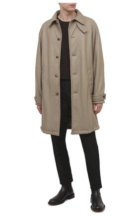 Мужской кожаное пальто BOTTEGA VENETA светло-серого цвета, арт. 654330/V0Q60 | Фото 2 (Материал подклада: Хлопок; Длина (верхняя одежда): До колена; Рукава: Длинные; Стили: Минимализм; Мужское Кросс-КТ: пальто-верхняя одежда)