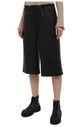 Женские кожаные шорты BATS черного цвета, арт. FW20/S_024 | Фото 3 (Женское Кросс-КТ: Шорты-одежда; Стили: Гламурный; Материал внешний: Синтетический материал; Кросс-КТ: Широкие; Длина Ж (юбки, платья, шорты): До колена; Материал подклада: Вискоза)