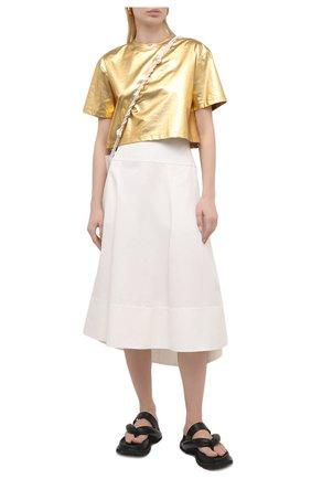 Женская хлопковая футболка VALENTINO золотого цвета, арт. VB3MG11U6A6 | Фото 2