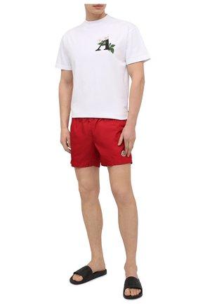 Мужские плавки-шорты MONCLER красного цвета, арт. G1-091-2C708-00-53326 | Фото 2