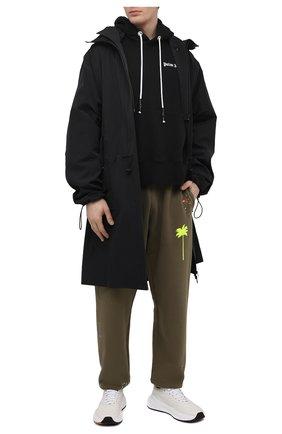 Мужские хлопковые джоггеры PALM ANGELS хаки цвета, арт. PMCH011S21FLE0035618 | Фото 2 (Длина (брюки, джинсы): Стандартные; Материал внешний: Хлопок; Силуэт М (брюки): Джоггеры; Мужское Кросс-КТ: Брюки-трикотаж; Стили: Спорт-шик)