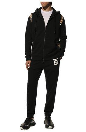 Мужской хлопковая толстовка BURBERRY черного цвета, арт. 8034510 | Фото 2 (Материал внешний: Хлопок; Рукава: Длинные; Длина (для топов): Стандартные; Мужское Кросс-КТ: Толстовка-одежда; Стили: Кэжуэл)