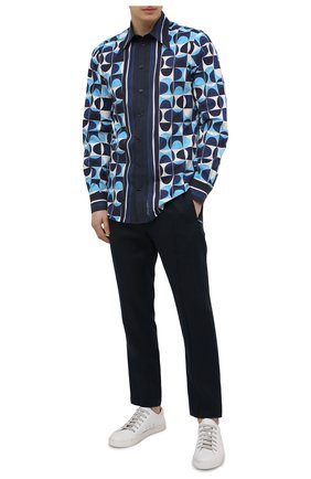 Мужская хлопковая рубашка DOLCE & GABBANA синего цвета, арт. G5GZ3T/HP54T | Фото 2 (Манжеты: На пуговицах; Длина (для топов): Стандартные; Рукава: Длинные; Материал внешний: Хлопок; Случай: Повседневный; Принт: С принтом; Рубашки М: Regular Fit; Воротник: Кент)