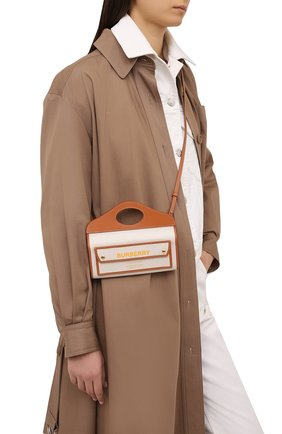 Женская сумка pocket small BURBERRY коричневого цвета, арт. 8036740 | Фото 2 (Сумки-технические: Сумки top-handle, Сумки через плечо; Материал: Текстиль; Ремень/цепочка: На ремешке; Размер: small)