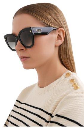 Женские солнцезащитные очки FENDI черного цвета, арт. 0435 807   Фото 2