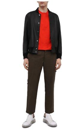 Мужская хлопковая футболка BOTTEGA VENETA красного цвета, арт. 649055/VF1U0 | Фото 2 (Длина (для топов): Стандартные; Материал внешний: Хлопок; Принт: Без принта; Рукава: Короткие; Стили: Минимализм)