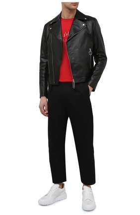 Мужские кожаные кроссовки ALEXANDER MCQUEEN белого цвета, арт. 645887/WHZ9A | Фото 2 (Подошва: Массивная; Материал внешний: Кожа; Стили: Гранж; Материал внутренний: Натуральная кожа)