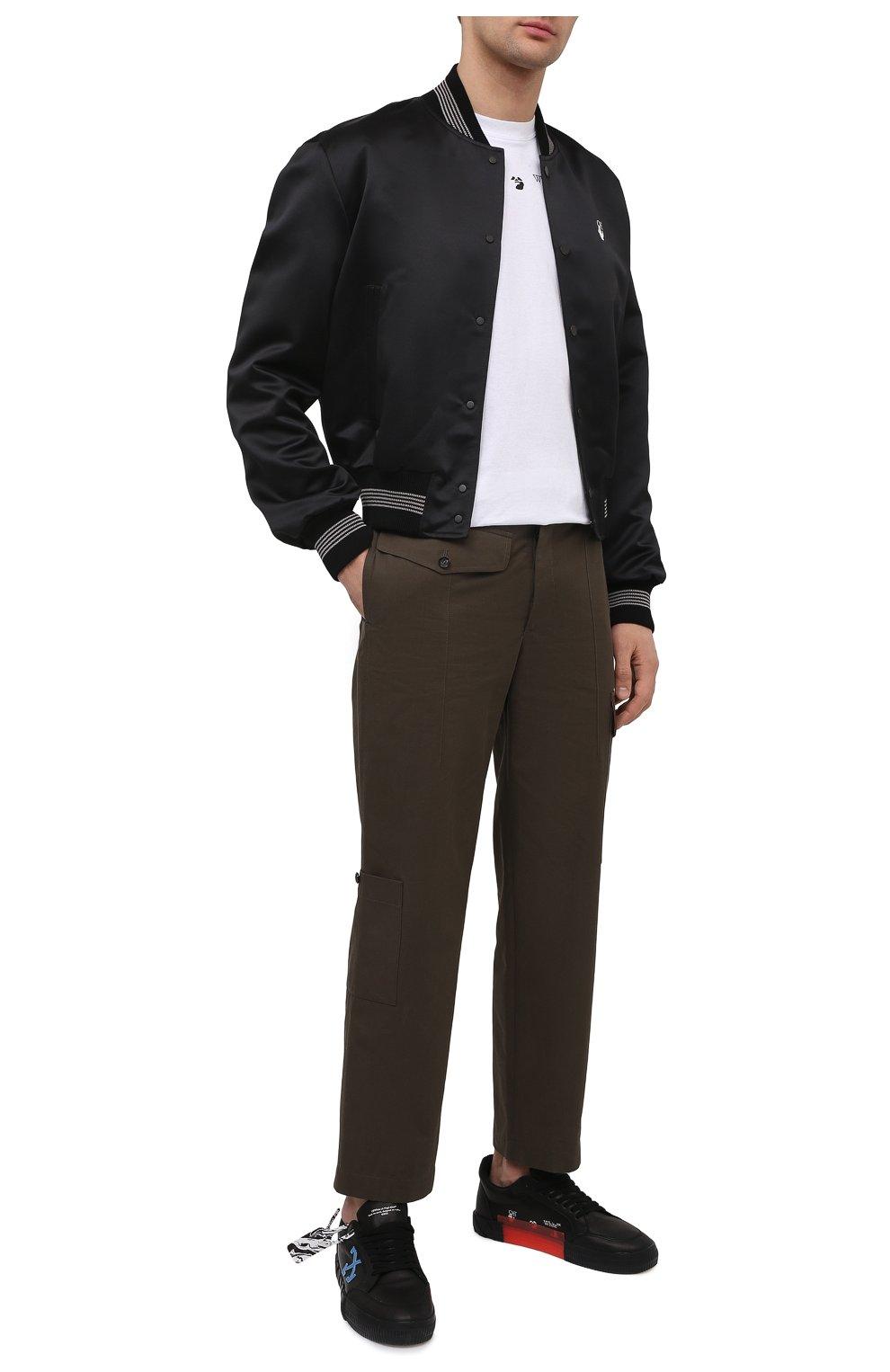 Мужской бомбер OFF-WHITE черного цвета, арт. 0MEA267S21FAB001 | Фото 2 (Кросс-КТ: Куртка; Рукава: Длинные; Материал внешний: Синтетический материал; Стили: Гранж; Принт: С принтом; Длина (верхняя одежда): Короткие; Материал подклада: Вискоза)