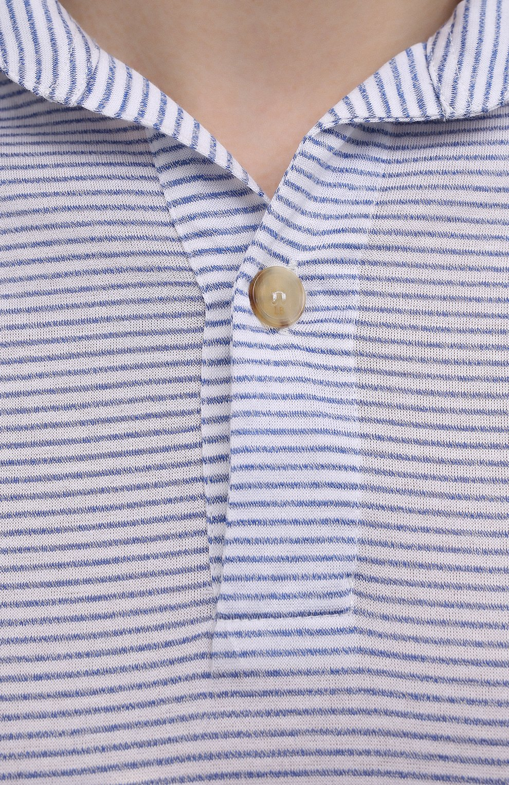Мужское хлопковое поло LUCIANO BARBERA голубого цвета, арт. 119512/81192 | Фото 5 (Застежка: Пуговицы; Рукава: Короткие; Длина (для топов): Стандартные; Кросс-КТ: Трикотаж; Материал внешний: Хлопок; Стили: Кэжуэл)