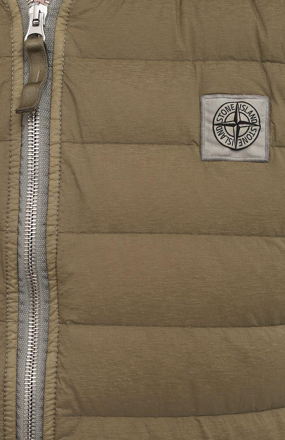 Мужской пуховый жилет STONE ISLAND хаки цвета, арт. 7415G0225   Фото 5 (Кросс-КТ: Куртка, Пуховик; Материал внешний: Синтетический материал; Материал подклада: Синтетический материал; Длина (верхняя одежда): Короткие; Материал утеплителя: Пух и перо; Стили: Кэжуэл)