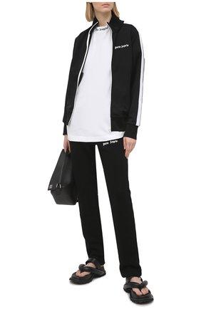 Женские хлопковые брюки PALM ANGELS черного цвета, арт. PWCA045S21FLE0021001   Фото 2