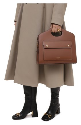 Женская сумка pocket small BURBERRY коричневого цвета, арт. 8036745 | Фото 2 (Материал: Натуральная кожа; Сумки-технические: Сумки через плечо, Сумки top-handle; Ремень/цепочка: На ремешке; Размер: small)