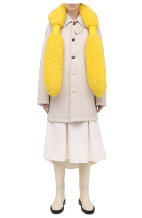 Женский шарф из меха овчины BOTTEGA VENETA желтого цвета, арт. 649455/3V541 | Фото 2