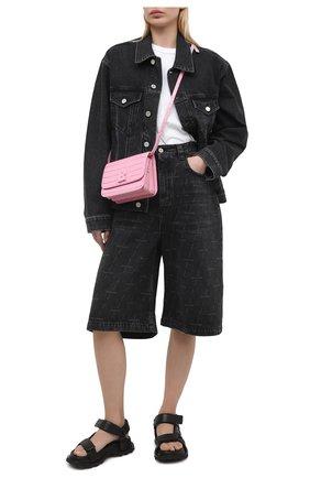 Женские джинсовые шорты BALENCIAGA черного цвета, арт. 646905/TJW41 | Фото 2 (Длина Ж (юбки, платья, шорты): Миди; Стили: Гранж; Материал внешний: Хлопок; Кросс-КТ: Деним, Широкие; Женское Кросс-КТ: Шорты-одежда)