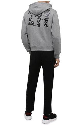 Мужской хлопковое худи kenzo x kansai yamamoto KENZO серого цвета, арт. FB55SW3234ML | Фото 2 (Принт: С принтом; Рукава: Длинные; Стили: Гранж; Мужское Кросс-КТ: Худи-одежда; Материал внешний: Хлопок; Длина (для топов): Стандартные)