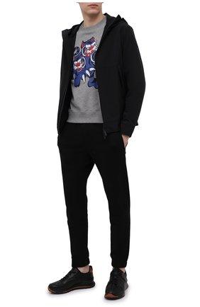 Мужской хлопковый свитшот kenzo x kansai yamamoto KENZO серого цвета, арт. FB55SW0134ML | Фото 2 (Длина (для топов): Стандартные; Рукава: Длинные; Мужское Кросс-КТ: свитшот-одежда; Материал внешний: Хлопок; Стили: Гранж; Принт: С принтом)