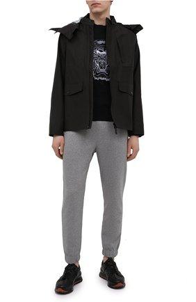 Мужские хлопковые джоггеры KENZO серого цвета, арт. FB55PA7114ML | Фото 2 (Силуэт М (брюки): Джоггеры; Мужское Кросс-КТ: Брюки-трикотаж; Материал внешний: Хлопок; Длина (брюки, джинсы): Стандартные)