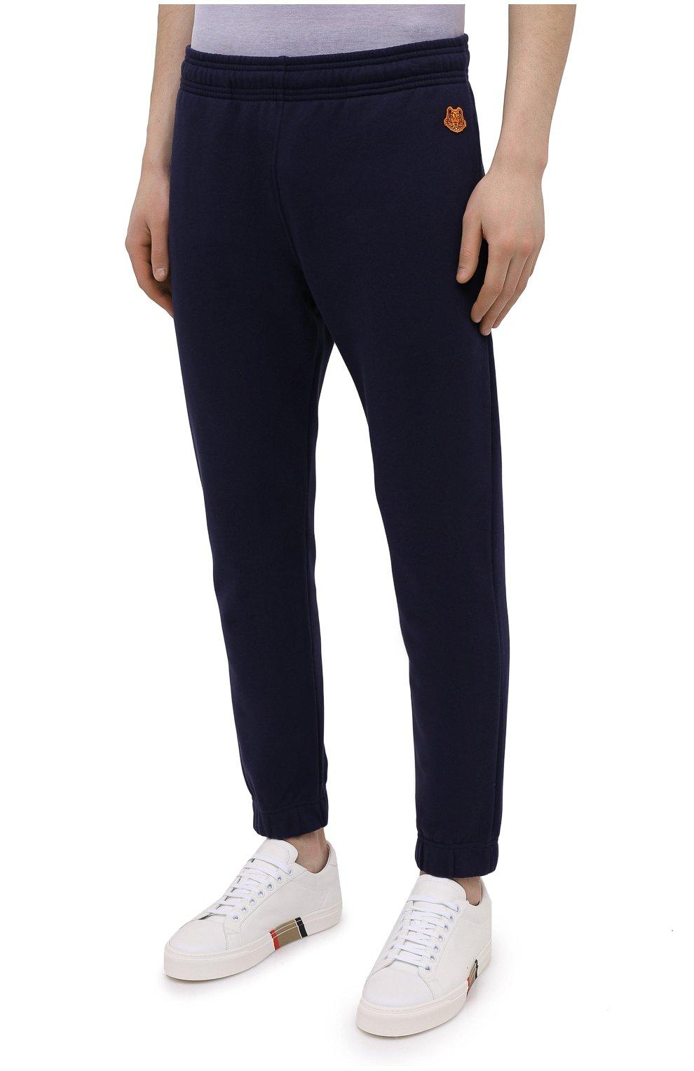 Мужские хлопковые джоггеры KENZO синего цвета, арт. FB55PA7114ML | Фото 3 (Мужское Кросс-КТ: Брюки-трикотаж; Длина (брюки, джинсы): Стандартные; Материал внешний: Хлопок; Силуэт М (брюки): Джоггеры)