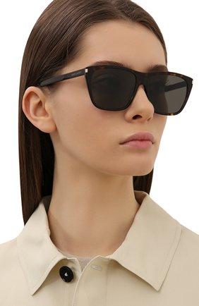 Женские солнцезащитные очки SAINT LAURENT коричневого цвета, арт. SL 431 SLIM 002 | Фото 2