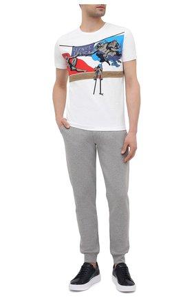 Мужские хлопковые джоггеры ICEBERG серого цвета, арт. 21E I1P0/B010/6300 | Фото 2 (Материал внешний: Хлопок; Длина (брюки, джинсы): Стандартные; Силуэт М (брюки): Джоггеры; Стили: Спорт-шик; Мужское Кросс-КТ: Брюки-трикотаж; Кросс-КТ: Спорт)