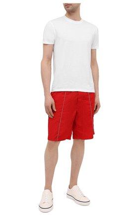 Мужские шорты ICEBERG красного цвета, арт. 21E I1P0/D060/5145 | Фото 2 (Длина Шорты М: До колена; Материал внешний: Синтетический материал; Мужское Кросс-КТ: Шорты-одежда; Принт: Без принта; Стили: Спорт-шик)