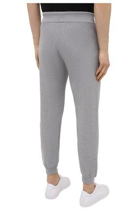 Мужские хлопковые джоггеры ICEBERG серого цвета, арт. 21E I1P0/AB05/7604 | Фото 4 (Кросс-КТ: Спорт; Материал внешний: Хлопок; Стили: Спорт-шик; Силуэт М (брюки): Джоггеры; Длина (брюки, джинсы): Укороченные)