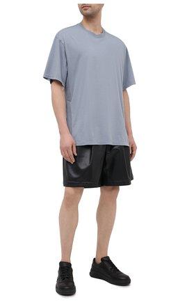 Мужская хлопковая футболка KAZUYUKI KUMAGAI синего цвета, арт. KJ11-017 | Фото 2 (Материал внешний: Хлопок; Рукава: Короткие; Длина (для топов): Стандартные; Принт: Без принта; Стили: Минимализм)