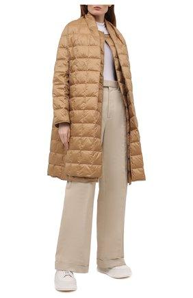 Женское пуховое пальто THEORY бежевого цвета, арт. K1105409 | Фото 2