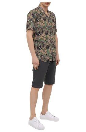 Мужские шорты из хлопка и вискозы TRANSIT темно-серого цвета, арт. CFUTRNE142 | Фото 2 (Длина Шорты М: Ниже колена; Материал внешний: Хлопок, Вискоза; Мужское Кросс-КТ: Шорты-одежда; Принт: Без принта; Стили: Кэжуэл)