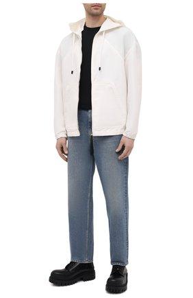 Мужская куртка TOM FORD белого цвета, арт. BW087/TF0559 | Фото 2 (Материал внешний: Шелк, Синтетический материал; Рукава: Длинные; Длина (верхняя одежда): Короткие; Кросс-КТ: Куртка, Ветровка; Стили: Кэжуэл)