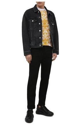 Мужские джинсы VERSACE JEANS COUTURE черного цвета, арт. A2GWA0R0-WUP513/60366   Фото 2