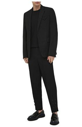 Мужские шерстяные брюки YOHJI YAMAMOTO черного цвета, арт. HD-P18-100 | Фото 2 (Длина (брюки, джинсы): Стандартные; Материал внешний: Шерсть; Случай: Повседневный; Материал подклада: Купро; Стили: Минимализм)