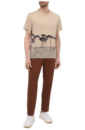 Мужская хлопковая футболка BRIONI бежевого цвета, арт. UJCH0L/P0646 | Фото 2 (Материал внешний: Хлопок; Рукава: Короткие; Длина (для топов): Стандартные; Принт: С принтом; Стили: Кэжуэл)