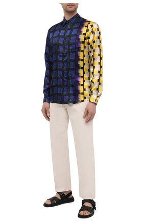 Мужская рубашка из вискозы DRIES VAN NOTEN разноцветного цвета, арт. 211-20746-2069 | Фото 2 (Воротник: Кент; Случай: Повседневный; Материал внешний: Вискоза; Манжеты: На пуговицах; Рукава: Длинные; Принт: Клетка; Длина (для топов): Стандартные; Стили: Ретро)