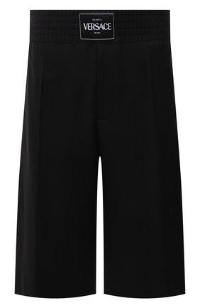 Мужские шерстяные шорты VERSACE черного цвета, арт. A88810/1F01050 | Фото 1 (Материал внешний: Шерсть; Принт: Без принта; Мужское Кросс-КТ: Шорты-одежда; Стили: Кэжуэл; Длина Шорты М: Ниже колена; Материал подклада: Хлопок)