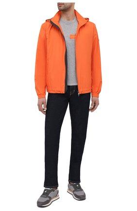 Мужской бомбер Z ZEGNA оранжевого цвета, арт. VW019/ZZ036 | Фото 2 (Материал внешний: Синтетический материал; Материал подклада: Синтетический материал; Рукава: Длинные; Длина (верхняя одежда): Короткие; Кросс-КТ: Куртка; Принт: Без принта; Стили: Кэжуэл)