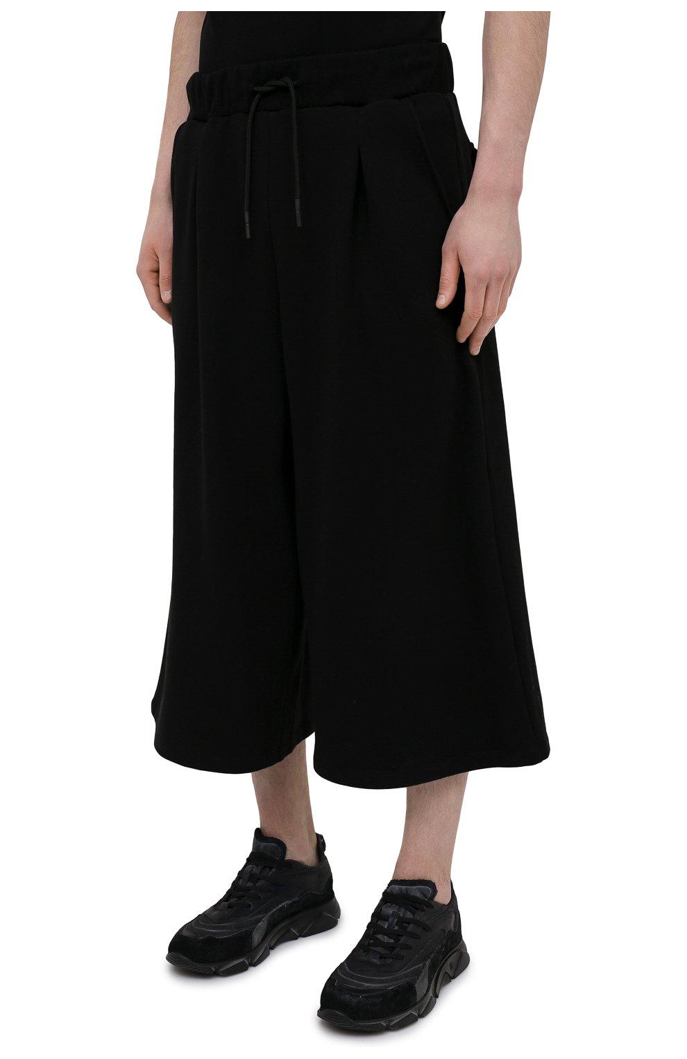 Мужские хлопковые брюки TEE LIBRARY черного цвета, арт. TSK-PT-49   Фото 3 (Случай: Повседневный; Материал внешний: Хлопок; Стили: Минимализм; Длина (брюки, джинсы): Укороченные)