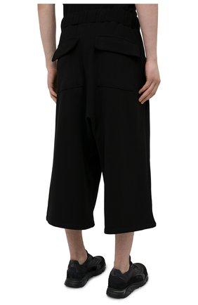 Мужские хлопковые брюки TEE LIBRARY черного цвета, арт. TSK-PT-49   Фото 4 (Случай: Повседневный; Материал внешний: Хлопок; Стили: Минимализм; Длина (брюки, джинсы): Укороченные)