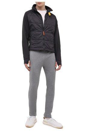 Мужские хлопковые брюки JACOB COHEN серого цвета, арт. J6177 02411-L/55 | Фото 2 (Материал внешний: Хлопок; Длина (брюки, джинсы): Стандартные; Случай: Повседневный; Мужское Кросс-КТ: Брюки-трикотаж; Стили: Спорт-шик)