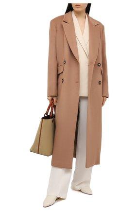 Женское шерстяное пальто LESYANEBO бежевого цвета, арт. FW20/H-405-4 | Фото 2 (Материал внешний: Шерсть; Рукава: Длинные; Длина (верхняя одежда): Длинные; 1-2-бортные: Двубортные; Стили: Кэжуэл)