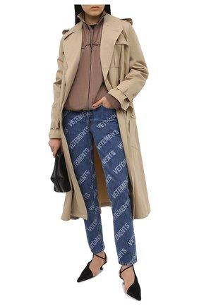 Женские джинсы VETEMENTS синего цвета, арт. WE51PA220B 2803/BLUE | Фото 2