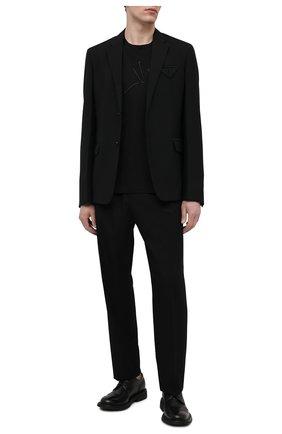 Мужские шерстяные брюки VERSACE черного цвета, арт. A88845/1F00737   Фото 2 (Материал внешний: Шерсть; Длина (брюки, джинсы): Стандартные; Случай: Повседневный; Стили: Кэжуэл)