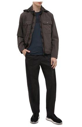 Мужские брюки EMPORIO ARMANI черного цвета, арт. A1P740/A1066 | Фото 2 (Материал внешний: Хлопок, Синтетический материал; Длина (брюки, джинсы): Стандартные; Случай: Повседневный; Стили: Кэжуэл)