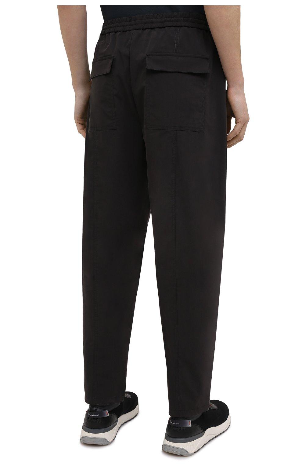 Мужские брюки EMPORIO ARMANI черного цвета, арт. A1P740/A1066   Фото 4 (Длина (брюки, джинсы): Стандартные; Случай: Повседневный; Материал внешний: Синтетический материал, Хлопок; Стили: Кэжуэл)