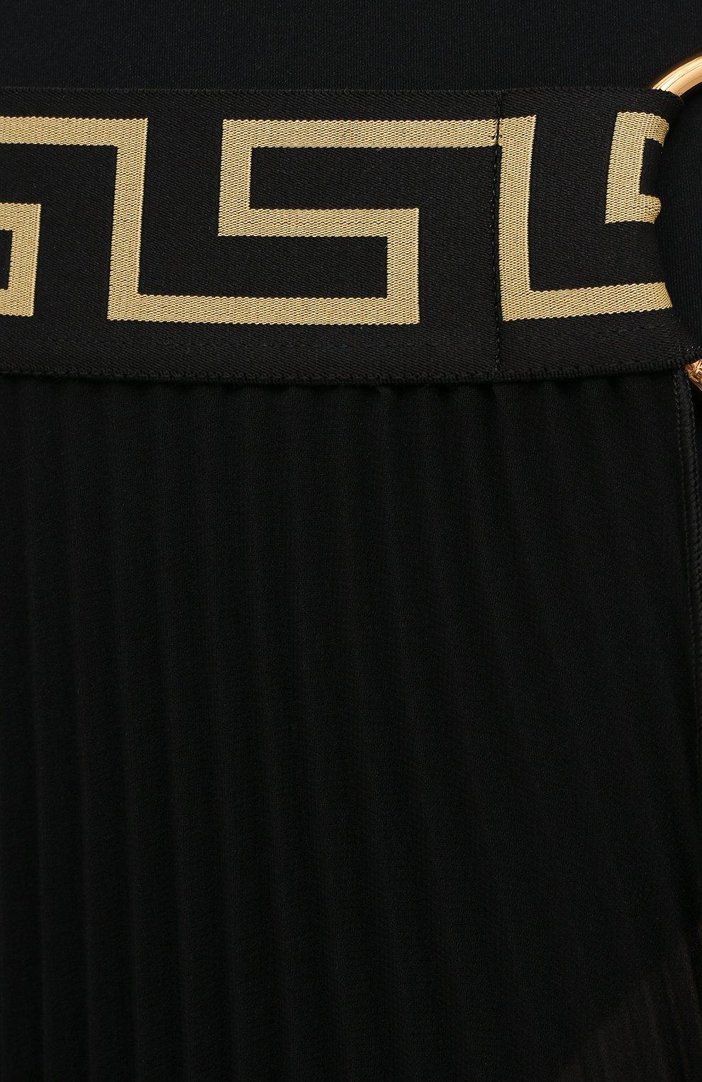 Женская плиссированная юбка VERSACE черного цвета, арт. ABD10032/1F00609 | Фото 5